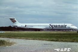 tassさんが、ロンドン・ガトウィック空港で撮影したスパンエアー MD-82 (DC-9-82)の航空フォト(飛行機 写真・画像)