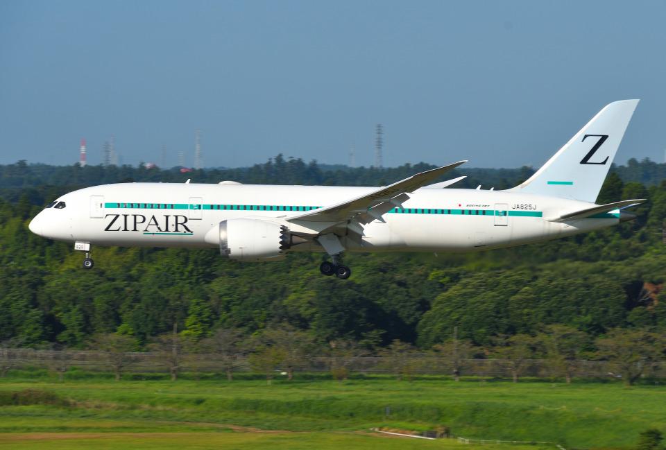 mojioさんのZIPAIR Boeing 787-8 Dreamliner (JA825J) 航空フォト