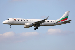 TIA spotterさんが、ロンドン・ヒースロー空港で撮影したブルガリア航空 ERJ-190-100 IGW (ERJ-190AR)の航空フォト(飛行機 写真・画像)