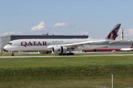 JETBIRDさんが、モントリオール・ピエール・エリオット・トルドー国際空港で撮影したカタール航空 A350-941の航空フォト(飛行機 写真・画像)