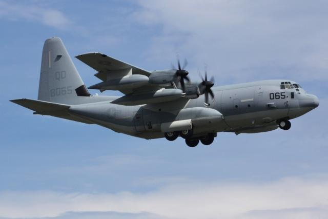 しゃこ隊さんが、厚木飛行場で撮影したアメリカ海兵隊 KC-130J Herculesの航空フォト(飛行機 写真・画像)
