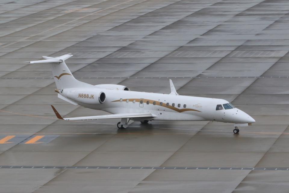 たまさんのJetsolution Aviation Group Embraer ERJ-135 (N888JK) 航空フォト