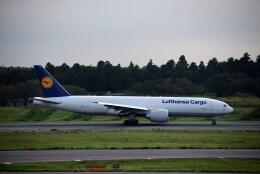 よんすけさんが、成田国際空港で撮影したルフトハンザ・カーゴ 777-FBTの航空フォト(飛行機 写真・画像)