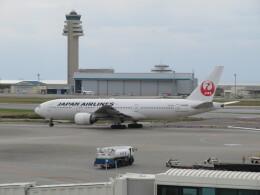 Tradel View FUKUROさんが、那覇空港で撮影した日本航空 777-246の航空フォト(飛行機 写真・画像)
