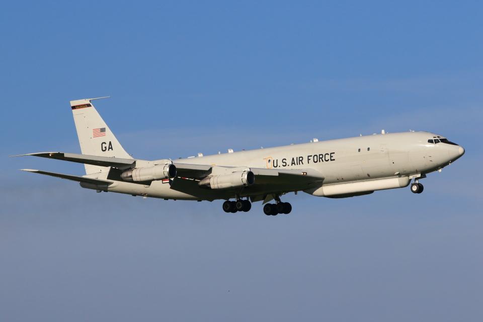 たまさんのアメリカ空軍 Boeing 707-300 (96-0042) 航空フォト