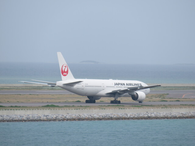 Tradel View FUKUROさんが、那覇空港で撮影した日本航空 777-289の航空フォト(飛行機 写真・画像)