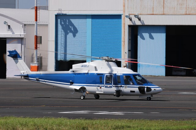 KAZFLYERさんが、東京ヘリポートで撮影した日本法人所有 S-76Cの航空フォト(飛行機 写真・画像)