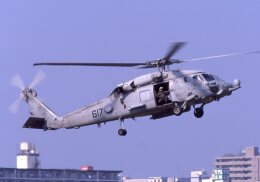F-4さんが、厚木飛行場で撮影したアメリカ海軍 SH-60 Seahawk (S-70B)の航空フォト(飛行機 写真・画像)
