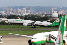 HLeeさんが、台湾桃園国際空港で撮影したエバー航空 787-10の航空フォト(飛行機 写真・画像)