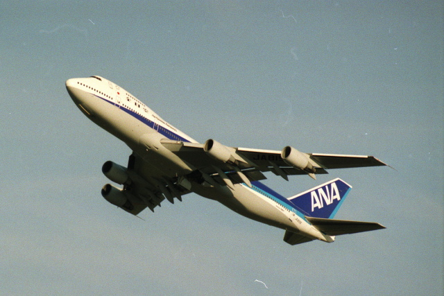 senbaさんが、新千歳空港で撮影した全日空 747SR-81の航空フォト(飛行機 写真・画像)