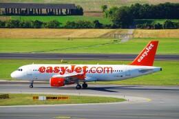 ちっとろむさんが、ウィーン国際空港で撮影したイージージェット A320-214の航空フォト(飛行機 写真・画像)