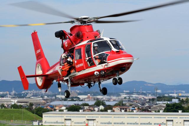 Joshuaさんが、名古屋飛行場で撮影した名古屋市消防航空隊 AS365N3 Dauphin 2の航空フォト(飛行機 写真・画像)