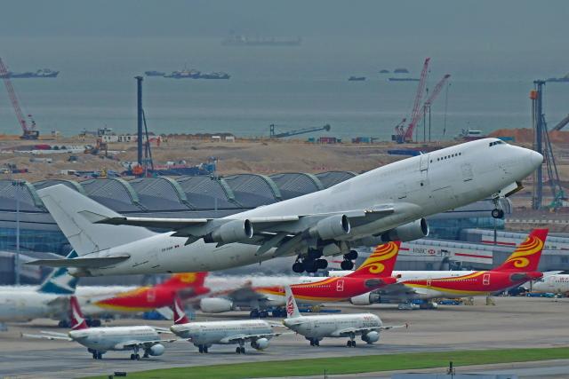 Souma2005さんが、香港国際空港で撮影したアエロトランスカーゴ 747-409(BDSF)の航空フォト(飛行機 写真・画像)