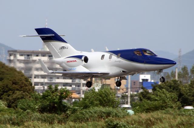 なごやんさんが、名古屋飛行場で撮影した日本法人所有 HA-420の航空フォト(飛行機 写真・画像)
