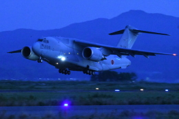 sasuke1208さんが、米子空港で撮影した航空自衛隊 C-2の航空フォト(飛行機 写真・画像)