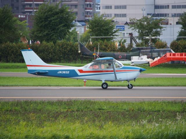 ここはどこ?さんが、札幌飛行場で撮影した日本個人所有 172N Ramの航空フォト(飛行機 写真・画像)