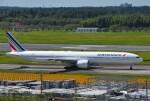 mojioさんが、成田国際空港で撮影したエールフランス航空 777-328/ERの航空フォト(飛行機 写真・画像)