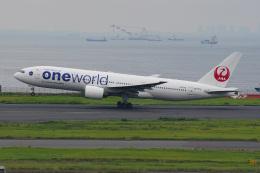 このはさんが、羽田空港で撮影した日本航空 777-246の航空フォト(飛行機 写真・画像)