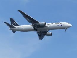 トタさんが、羽田空港で撮影した全日空 767-381/ERの航空フォト(飛行機 写真・画像)