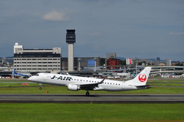 かえでさんが、伊丹空港で撮影したジェイエア ERJ-190-100(ERJ-190STD)の航空フォト(飛行機 写真・画像)