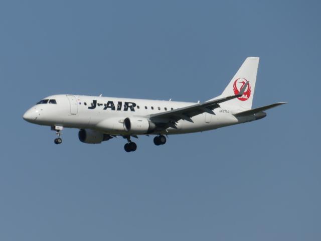 うすさんが、伊丹空港で撮影したジェイエア ERJ-170-100 (ERJ-170STD)の航空フォト(飛行機 写真・画像)