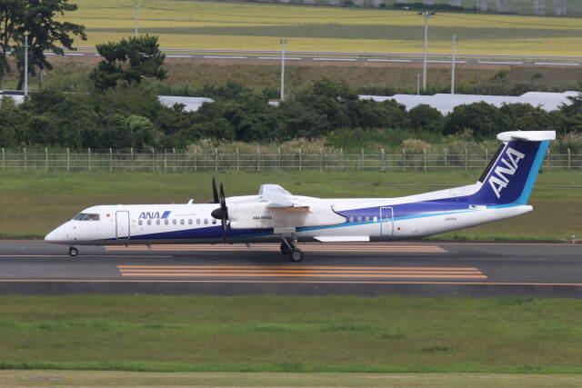 プルシアンブルーさんが、仙台空港で撮影したANAウイングス DHC-8-402Q Dash 8の航空フォト(飛行機 写真・画像)