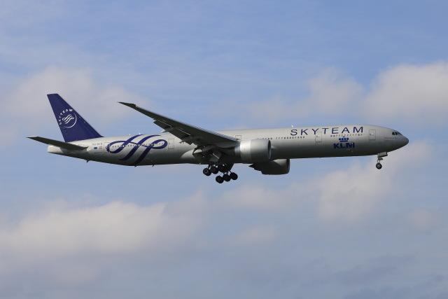 マーサさんが、成田国際空港で撮影したKLMオランダ航空 777-306/ERの航空フォト(飛行機 写真・画像)