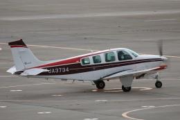Tomochanさんが、函館空港で撮影した日本個人所有 A36 Bonanza 36の航空フォト(飛行機 写真・画像)