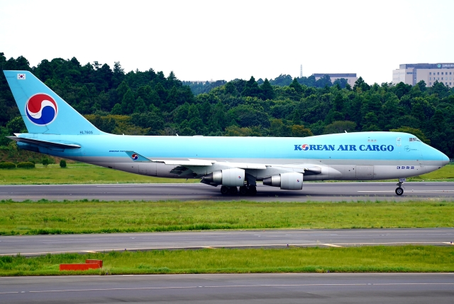 SFJ_capさんが、成田国際空港で撮影した大韓航空 747-4B5F/ER/SCDの航空フォト(飛行機 写真・画像)