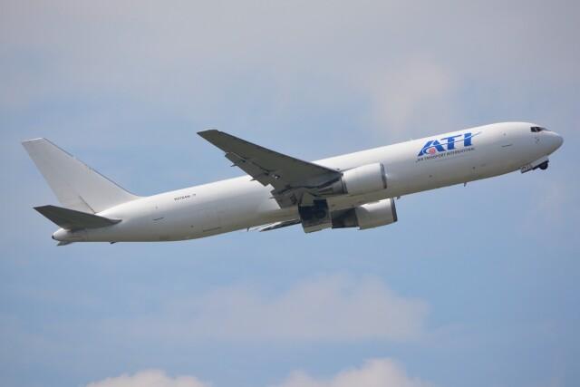 デルタおA330さんが、横田基地で撮影したエア・トランスポート・インターナショナル 767-323/ER(BDSF)の航空フォト(飛行機 写真・画像)