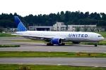 SFJ_capさんが、成田国際空港で撮影したユナイテッド航空 777-322/ERの航空フォト(飛行機 写真・画像)