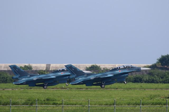 元青森人さんが、松島基地で撮影した航空自衛隊 F-2Bの航空フォト(飛行機 写真・画像)