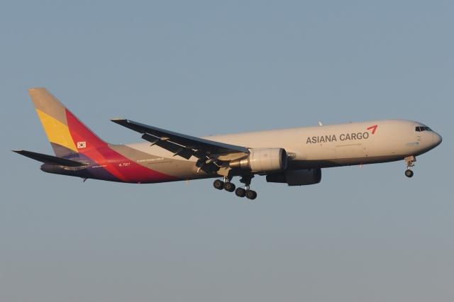 木人さんが、成田国際空港で撮影したアシアナ航空 767-38EF/ERの航空フォト(飛行機 写真・画像)