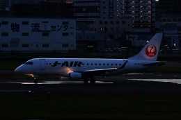 M.airphotoさんが、福岡空港で撮影したジェイエア ERJ-170-100 (ERJ-170STD)の航空フォト(飛行機 写真・画像)