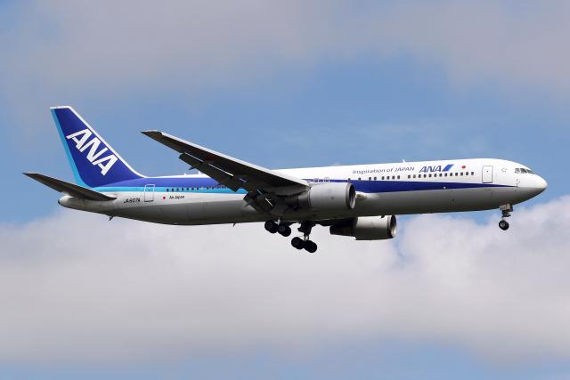 Echo-Kiloさんが、新千歳空港で撮影した全日空 767-381/ERの航空フォト(飛行機 写真・画像)