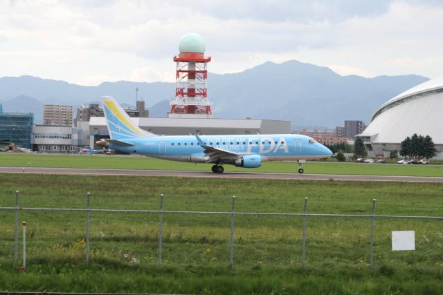 熱血男子さんが、札幌飛行場で撮影したフジドリームエアラインズ ERJ-170-100 (ERJ-170STD)の航空フォト(飛行機 写真・画像)