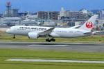 くれないさんが、福岡空港で撮影した日本航空 787-8 Dreamlinerの航空フォト(飛行機 写真・画像)