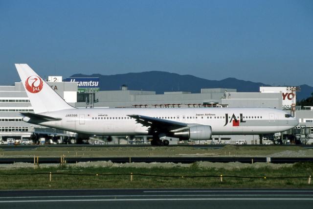 Gambardierさんが、福岡空港で撮影した日本航空 767-346の航空フォト(飛行機 写真・画像)