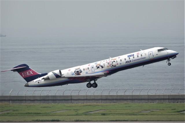 jutenLCFさんが、中部国際空港で撮影したアイベックスエアラインズ CL-600-2C10 Regional Jet CRJ-702ERの航空フォト(飛行機 写真・画像)
