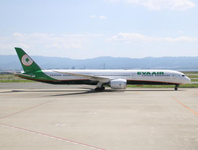 えのびよーんさんが、関西国際空港で撮影したエバー航空 787-10の航空フォト(飛行機 写真・画像)