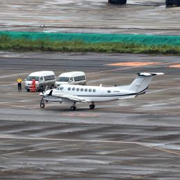 誘喜さんが、羽田空港で撮影したノエビア B300の航空フォト(飛行機 写真・画像)