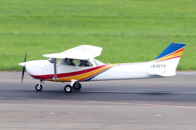 yabyanさんが、名古屋飛行場で撮影したトライスター航空 172M Skyhawkの航空フォト(飛行機 写真・画像)
