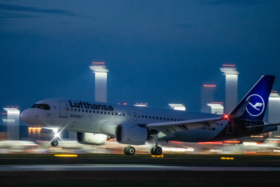 gomaさんのルフトハンザドイツ航空 Airbus A320neo (D-AINZ) 航空フォト