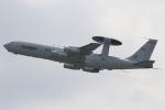 キイロイトリさんが、嘉手納飛行場で撮影したアメリカ空軍 E-3B Sentry (707-300)の航空フォト(飛行機 写真・画像)