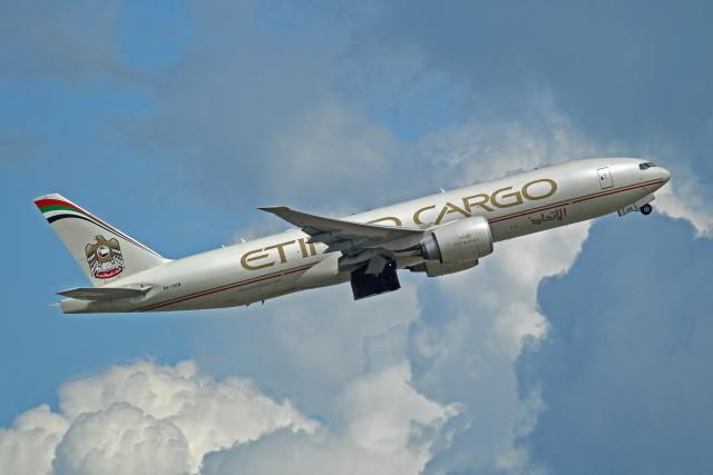 Souma2005さんが、香港国際空港で撮影したエティハド航空 777-FFXの航空フォト(飛行機 写真・画像)