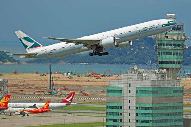 Souma2005さんが、香港国際空港で撮影したキャセイパシフィック航空 777-367/ERの航空フォト(飛行機 写真・画像)