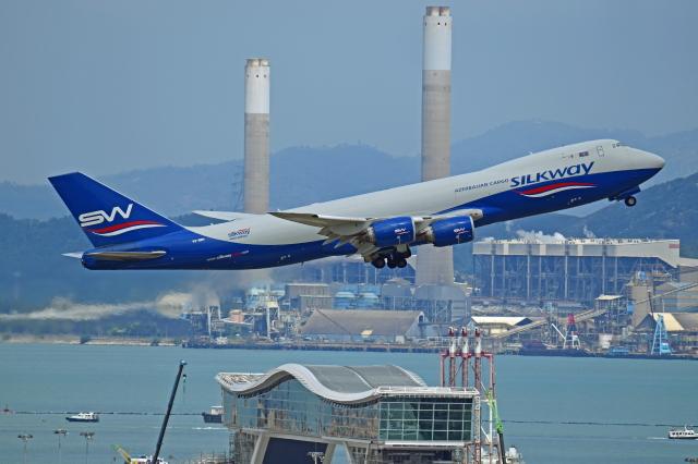 Souma2005さんが、香港国際空港で撮影したシルクウェイ・ウェスト・エアラインズ 747-83QFの航空フォト(飛行機 写真・画像)