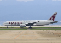 LOTUSさんが、関西国際空港で撮影したカタール航空カーゴ 777-FDZの航空フォト(飛行機 写真・画像)