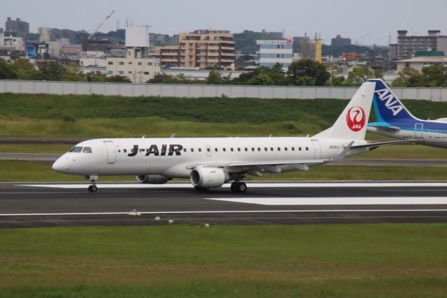 えのびよーんさんが、伊丹空港で撮影したジェイエア ERJ-190-100(ERJ-190STD)の航空フォト(飛行機 写真・画像)