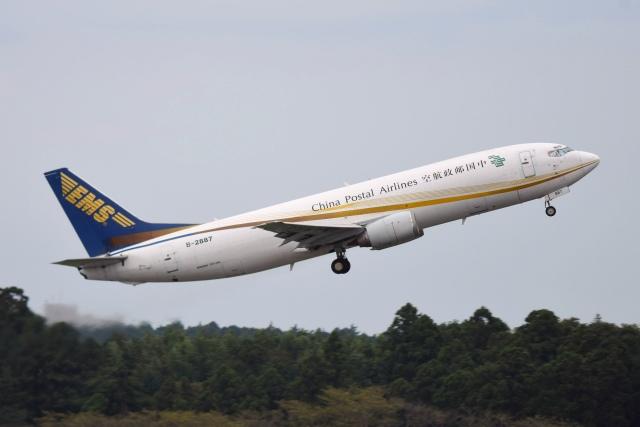 あおいそらさんが、成田国際空港で撮影した中国郵政航空 737-4Q8(SF)の航空フォト(飛行機 写真・画像)